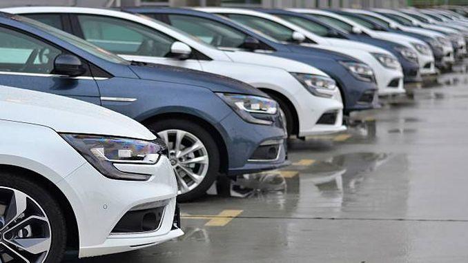 Recibirase o servizo de aluguer de vehículos