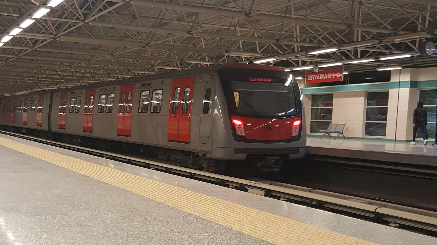 anuncio de licitación que se empregará nas estacións de metro de Ankara