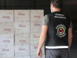 Der blev beslaglagt millioner af cigaret- og cigaretpapirer i Izmir
