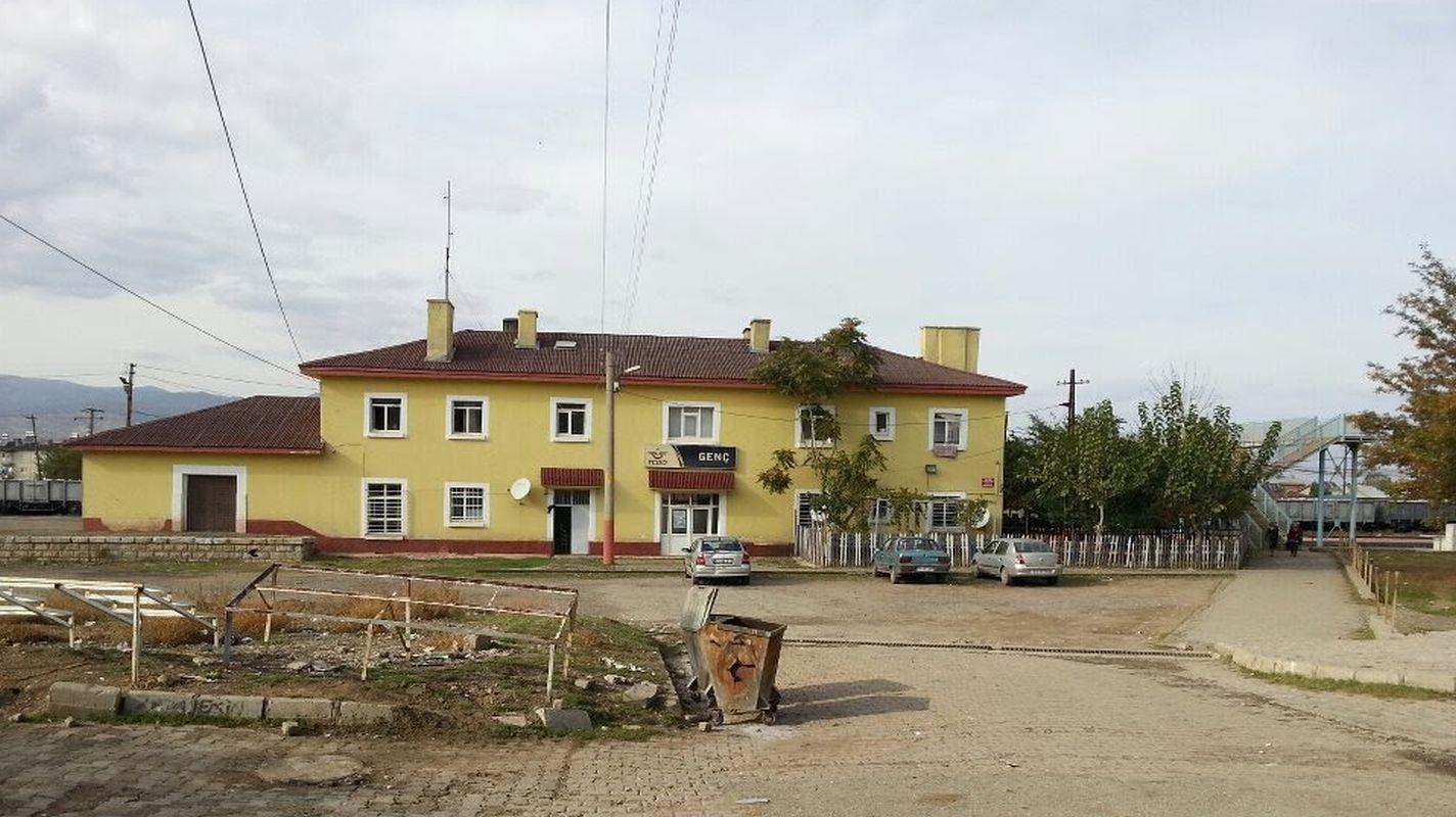 भूकंप प्रतिरोधानुसार युवा स्टेशन परिसरातील इमारती मजबूत करणे