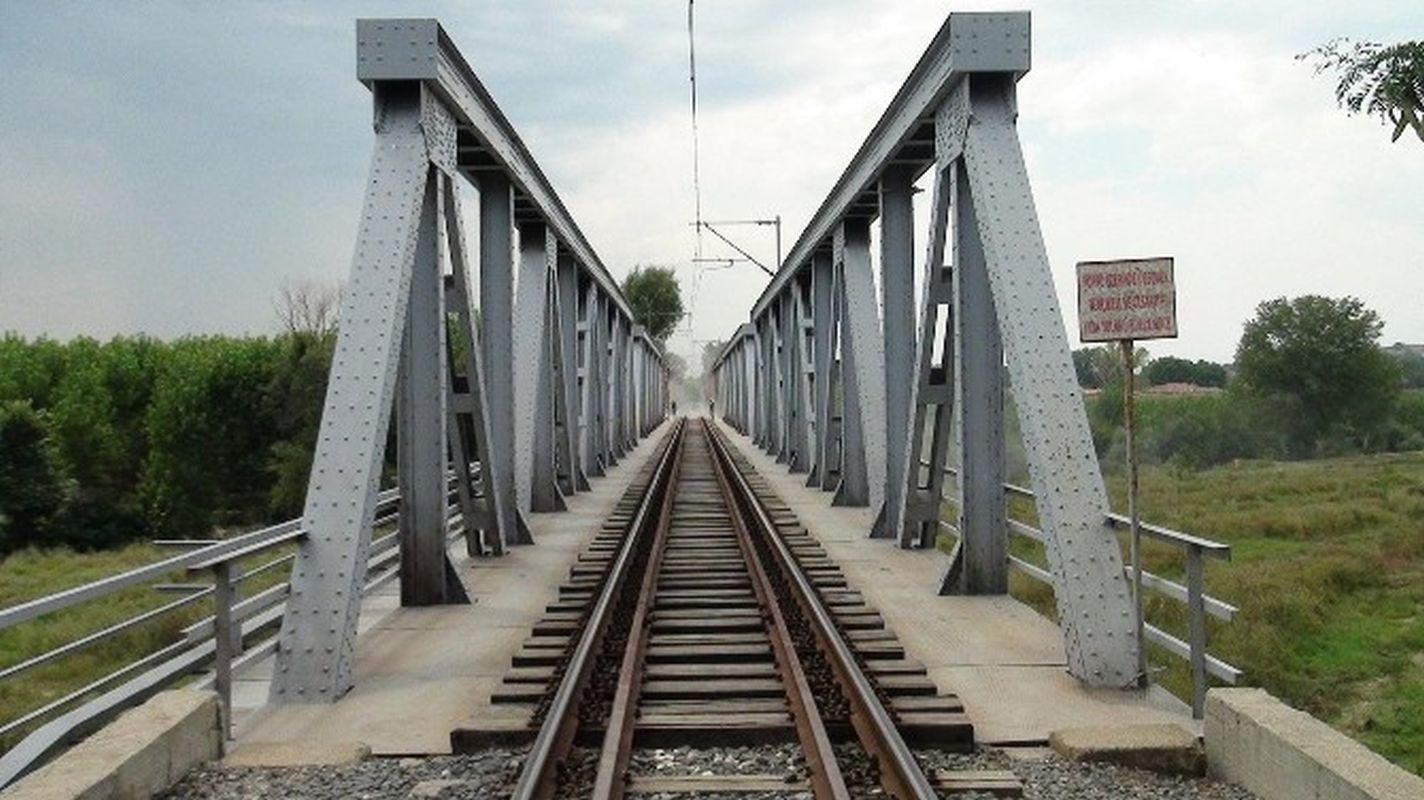 Sandstrahlmalerei auf Stahlbrücken auf der zarten Ankündigung ankara kayseri Linie
