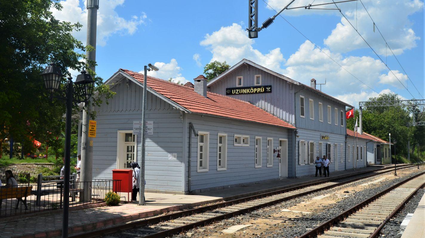 Anuncio de licitación de la línea sirkeci Uzunkopru rehabilitación de rellenos ferroviarios con pilotes perforados