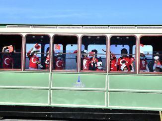 Сафари ҳасрати трамвай барои донишҷӯёни боғчаи İZELMAN