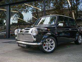 کلاسیکی اور نایاب کاروں کا واحد پتہ 'یینکی موٹرز'