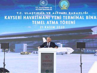 Kayserin lentokentän uuden terminaalirakennuksen perusta on saatu.